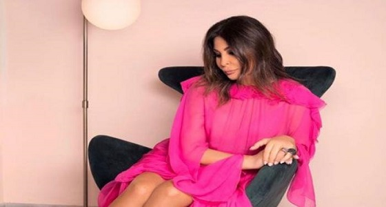إليسا تدعو للتظاهر: « اللي مش قادر يوصل بيروت يتظاهر مكانه »