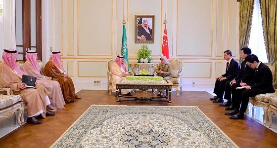 سمو أمير منطقة الرياض يلتقي رئيسة جمهورية سنغافورة
