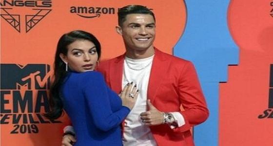 ممثلة برتغالية تضع رونالدو في موقف محرج مع خطيبته جورجينا