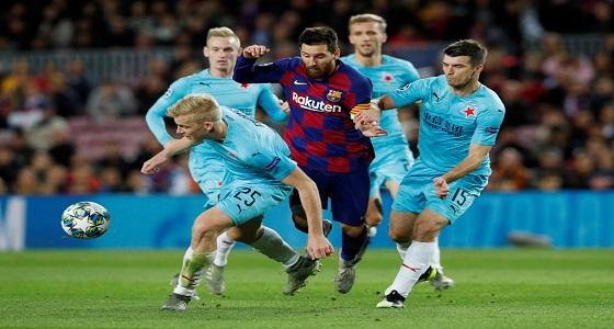 سلافيا براغ يفرض التعادل على برشلونة في الكامب نو