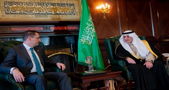 أمير تبوك يستقبل سفير جمهورية ايرلندا لدى المملكة