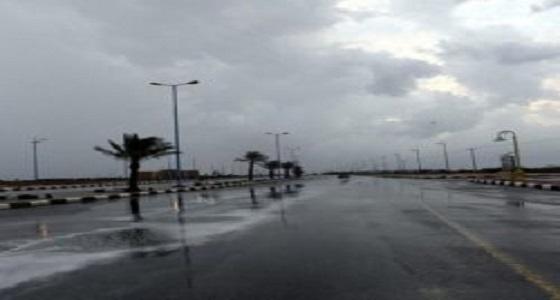 مدني جازان يجدد تحذيراته من تقلبات جوية وهطول أمطار غزيرة