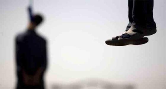 التحقيق في العثور على جثة عامل مشنوق بمسكنه في القنفذة