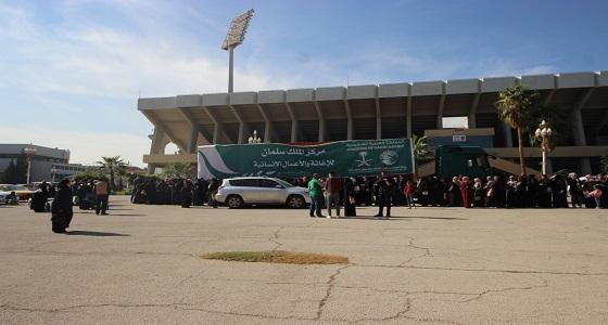 مركز الملك سلمان يوزع الحقائب المدرسية على الطلاب السوريين بمحافظة أربد
