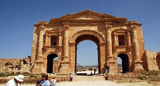 بالفيديو.. جريمة غامضة بجرش ضحيتها 3 سياح ومرشدهم ورجل أمن