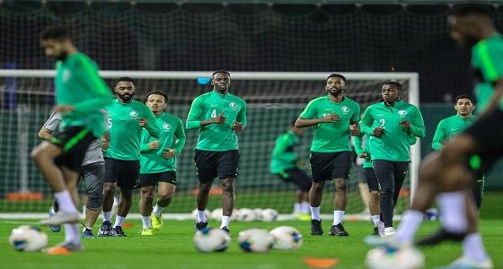 بالصور.. الأخضر يبدأ استعداداته لمواجهة منتخب البحرين