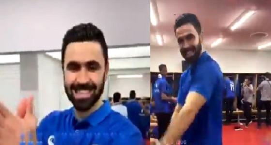 شاهد.. رقص عمر خربين بعد فوز الهلال بـ دوري أبطال آسيا 2019