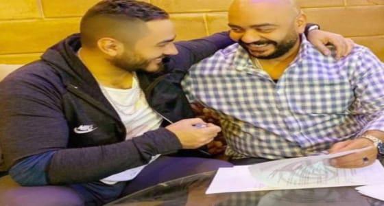 بعد سنوات من رفضه.. تامر حسني يعلن تعاقده مع شقيقه لإنتاج فيلمه الجديد