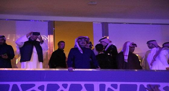 شاهد.. الأمير الوليد بن طلال و«آل الشيخ» يرفعا كأس أبطال آسيا في البوليفارد