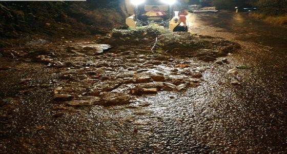 انهيار وانقطاع طرق بفيفاء بسبب الأمطار الغزيرة
