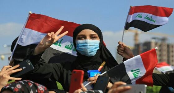 في ظل التظاهرات ضده.. إيران تتدخل لمنع الإطاحة برئيس الوزراء العراقي