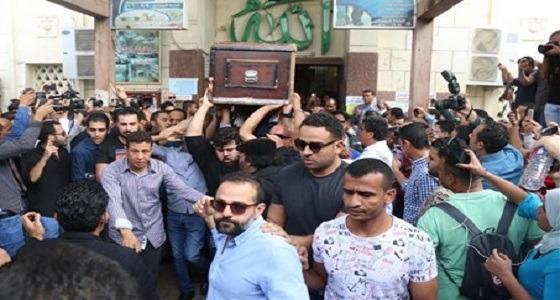 بالصور.. تشييع جثمان الفنان الراحل هيثم أحمد زكي