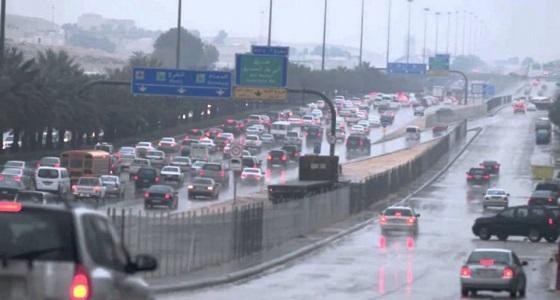 المرور : تجنب إرباك سير الحركة المرورية بالإنعطاف المفاجئ