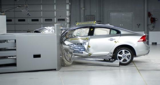 كيفية اختبار السيارات ضد الحوادث