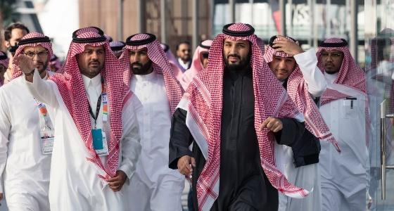 بالصور.. سمو ولي العهد يزور معرض الرياض للسيارات