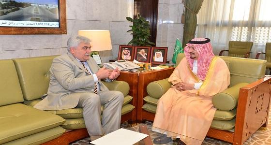 أمير الرياض يستقبل سفير جمهورية رومانيا لدى المملكة