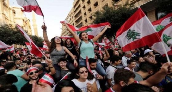 مديرة مدرسة بلبنان تهدد طلابها بالطرد والحرمان من الشهادة حال مشاركتهم في التظاهرات