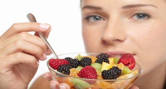 احذري من تناول الفاكهة بعد الظهر