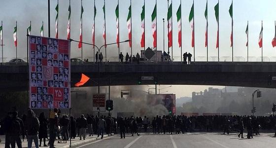 آخر مستجدات الوضع الإيراني.. توقف حركة السير في العاصمة بالكامل