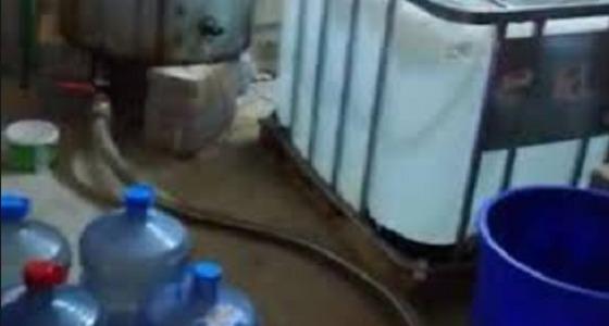 ضبط مصنع للخمور في الأفلاج