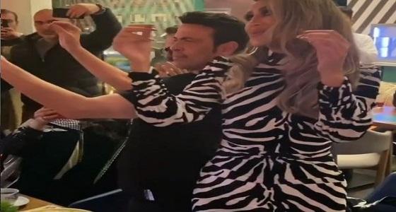 شاهد.. رقص سعد الصغير ومايا دياب داخل مطعم في بوليفارد الرياض