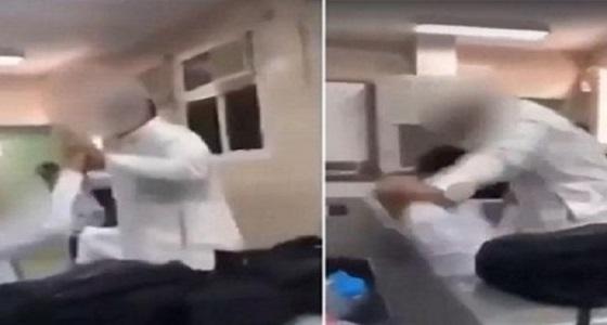 """نائب وزير التعليم يوجه بتشكيل لجنة للتحقيق في """" فيديو """" اعتداء طالب على زميله بمكة"""