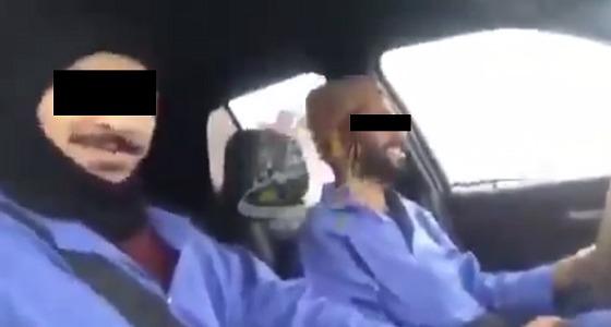 مقطع للهالكين سويد والنمر في طريقهما لحي العنود قبل القضاء عليهما