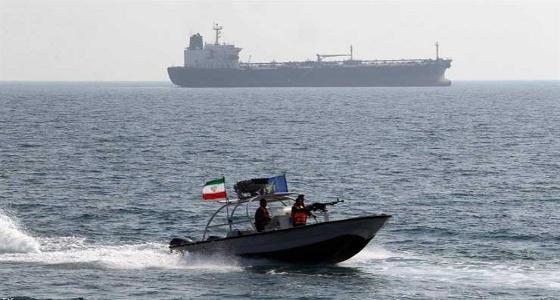 الحرس الثوري الإيراني يحتجز سفينة قرب جزيرة أبو موسى