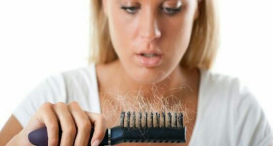 عناصر غذائية تساعدك في التغلب على مشكلة تساقط الشعر أثناء فترة الحمل