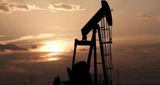 النفط يقفز في ظل آمال بزيادة تخفيضات أوبك ونمو مصانع الصين