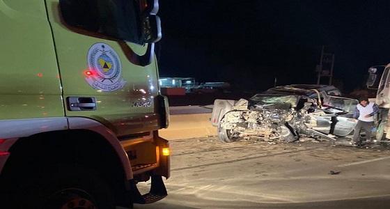 وفاة وإصابة 10 أشخاص في حادث مروع ببريدة