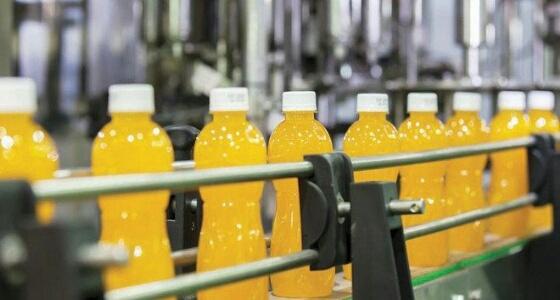 بعد فرض الضريبة الانتقائية.. المصانع المنتجة للعصائر المحلاة تبدأ في التوقف عن إنتاجها