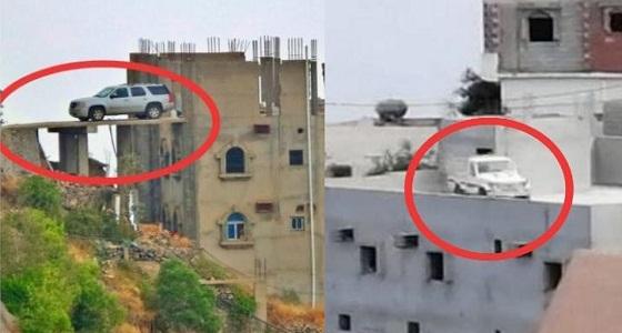 بالصور.. مواطنون يتخذون أسطحم منازلهم كـ مواقف لمركباتهم