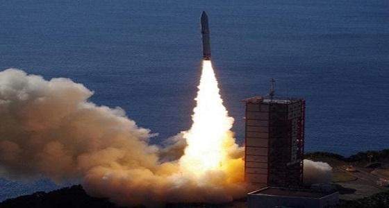 الحوثيون يستهدفون مأرب والحديدة بصاروخ باليستي