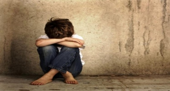 اتهام رجل بحبس أبنائه 9 سنوات واغتصابهم بحجة «الأرواح الشريرة»