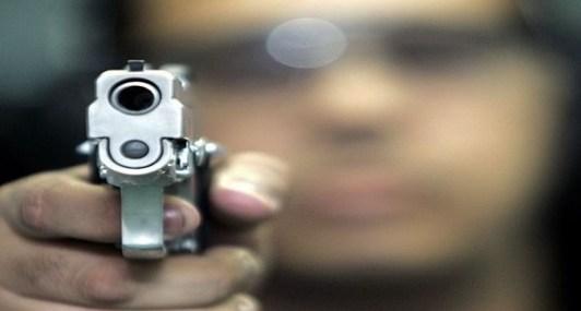 مُطلق النار على شقيقته بالدمام أوصلها المستشفى للتأكد من وفاتها!