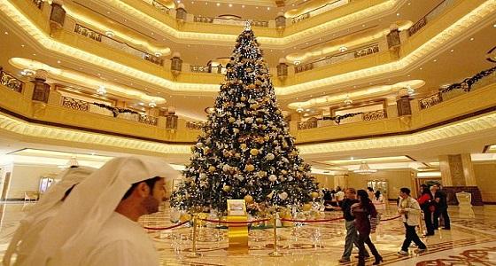 مفتي مصر السابق يحسم الجدل بشأن شجرة رأس السنة الميلادية