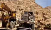 مقطع يكشف غنائم الجيش اليمني بعد تسليم الحوثيين في معركة نهم