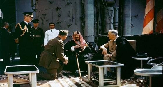 بالفيديو.. لقاءنادر بين الملك عبدالعزيز وفرانكلين روزفلت في قناة السويس