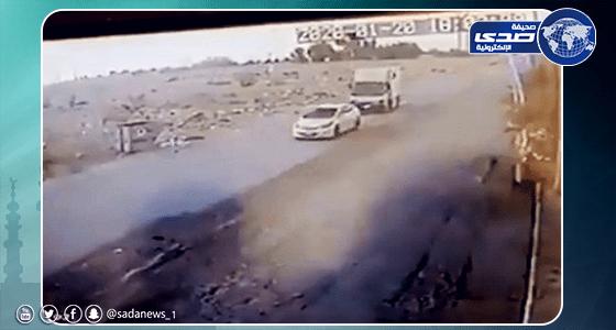 بالفيديو.. لحظة سرقة سيارة مواطن من أمام منزله في الرياض