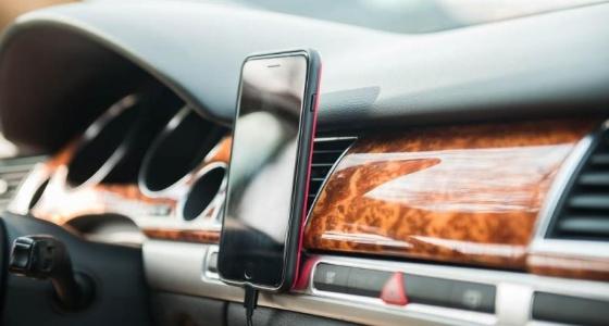 أشياء يؤدي تركها في السيارة إلى أضرار خطيرة