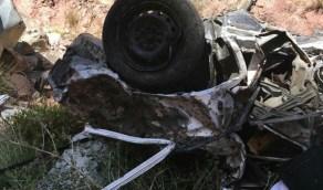 تفاصيل جديدة حول سقوط سيارة من منحدر جبلي في الطائف (صور)
