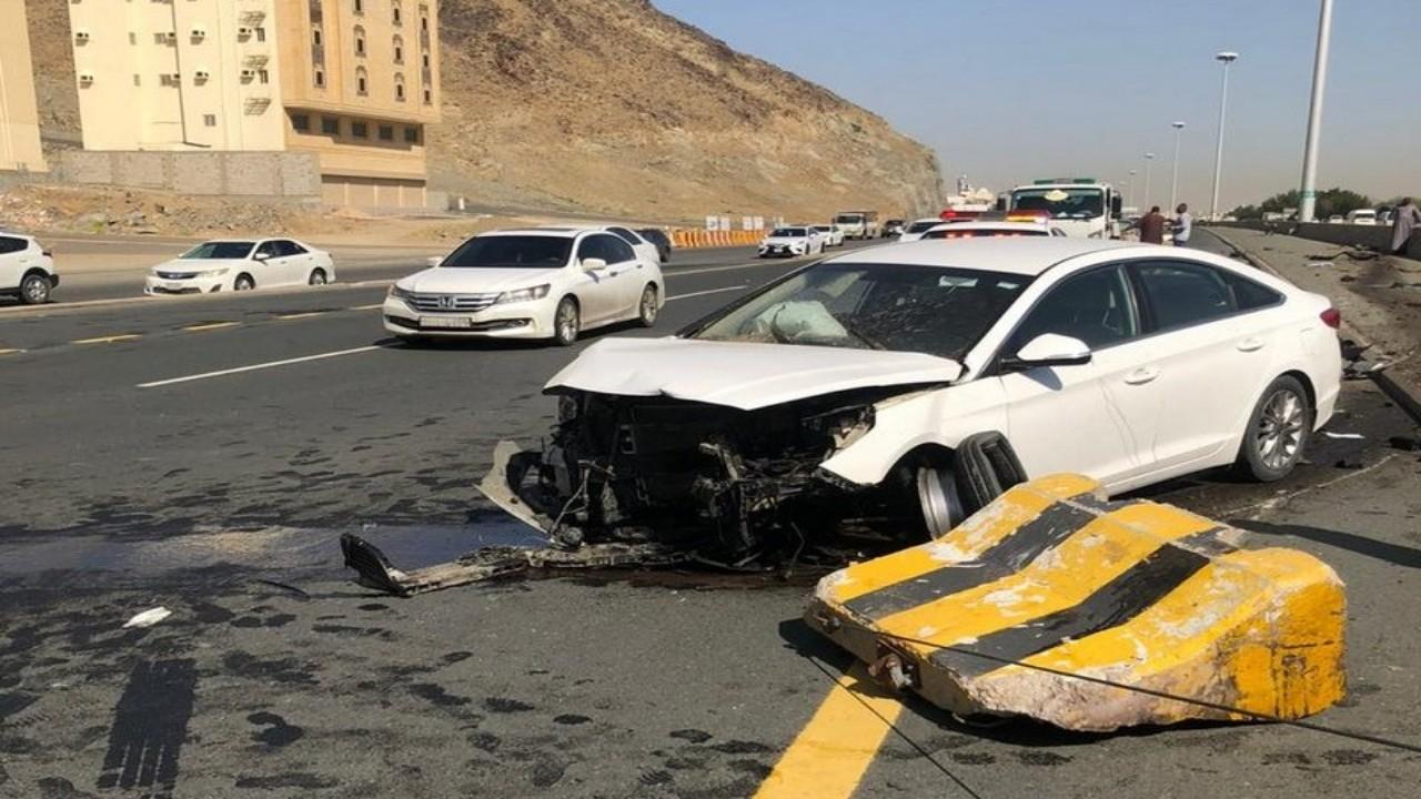بالصور.. إصابة 8 أشخاص في حادث تصادم بمكة
