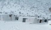 صورة تجسد معاناة اللاجئين السوريين في لبنان بـ «مخيمات الجليد»