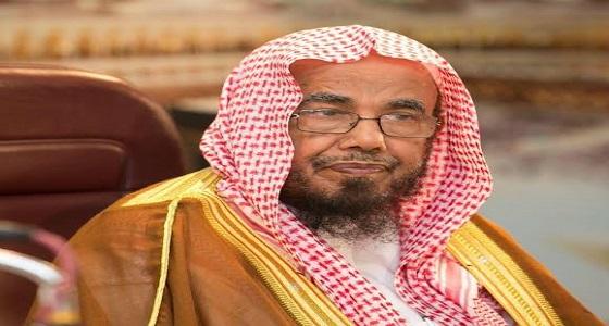 بالفيديو.. عبدالله المطلق:«اللي ما يحتر لحمه حمار»