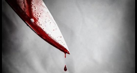 امرأة تقتل والدة صديقها انتقامًا منه وتلقي رأسها في المغسلة