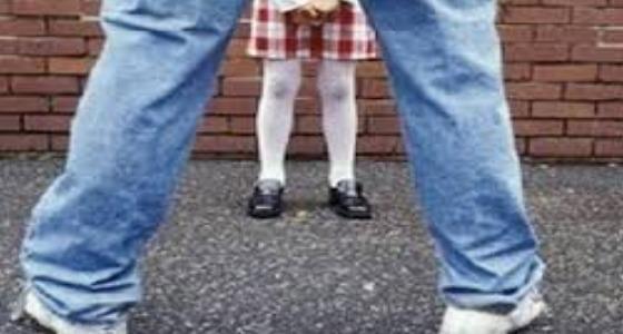 مطالب بإعدام مُدمن اختطف طفلة واغتصبها