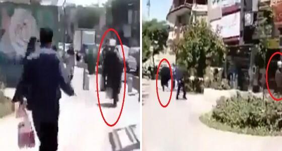 بالفيديو.. شاب يدّعي إصابته بـ «كورونا» ويُفزع عدد من المعمّمين