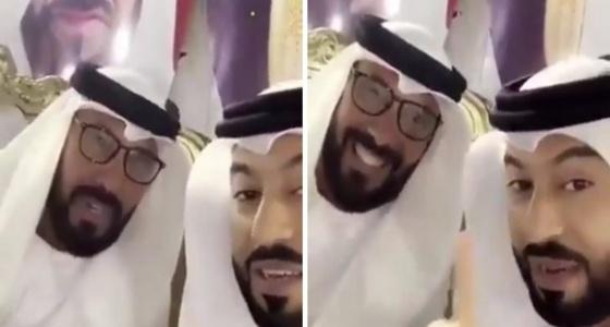 بالفيديو.. رجل يتباهى بزواجه من 35 امرأة