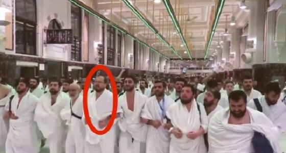 شاهد.. قائد فيديو الأتراك في الحرم مع عناصر حركة «حماس»